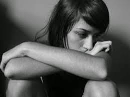 Frases de desamor, olvidar, corazón, daño, recuerdo, relación, traición.